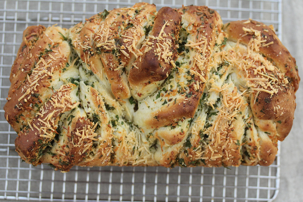 Parmesan Pull-apart Bread