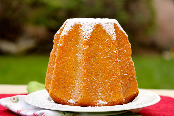Pandoro: Karen's Kitchen Stories