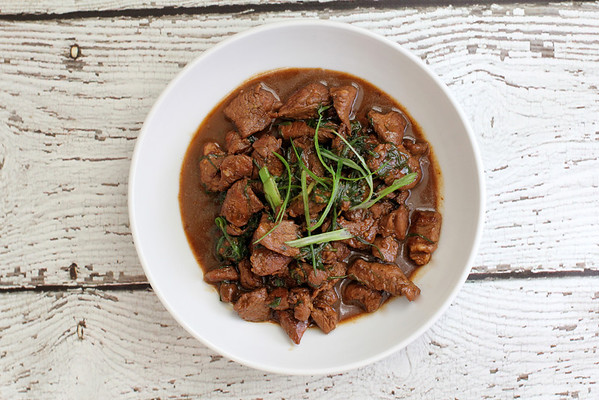 Stir-fried Mongolian Lamb with Scallions