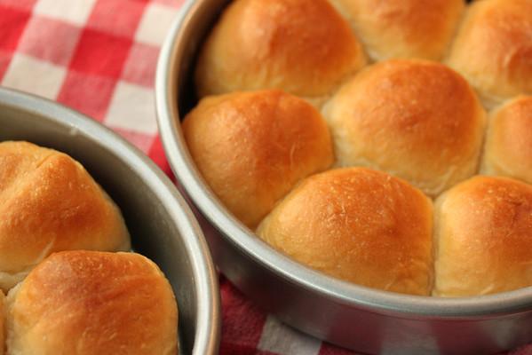 pull-apart buttery dinner rolls