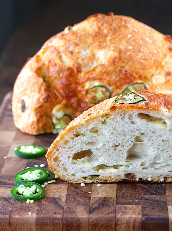 No Knead Jalapeño Cheesy Dutch Oven Bread