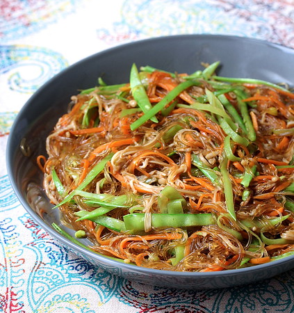 Stir-Fried Cellophane Noodles with Enoki Mushrooms
