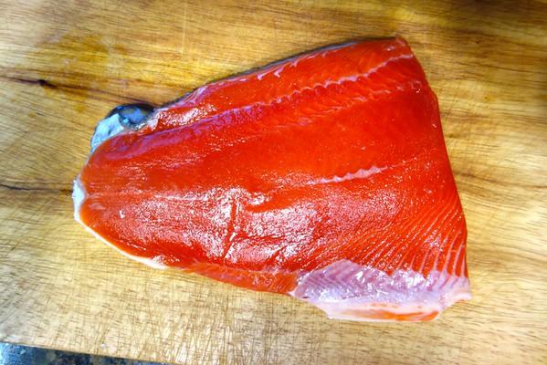 Stir-Fried Salmon with Wine Sauce